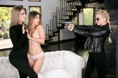 Lexi Belle - The Busted Burgler (Thumb 20)